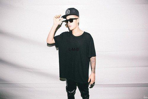 Photos de Justin (suite) + Vidéos postées sur Vine
