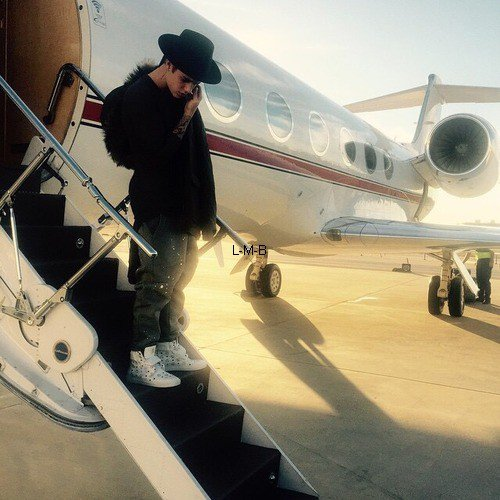 Photos et posts ajoutés par Justin sur Instagram, Shots of me et Fahlo