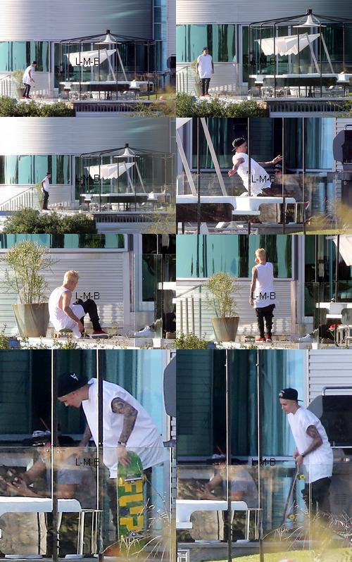 Justin posant pour un photoshoot