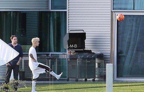 Photos de Justin (suite) + Photos postées sur Shots of me