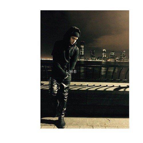 Photos et post ajoutés par Justin sur Instagram et Fahlo