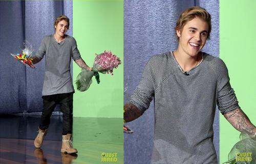 Justin en invité surprise au Ellen Show
