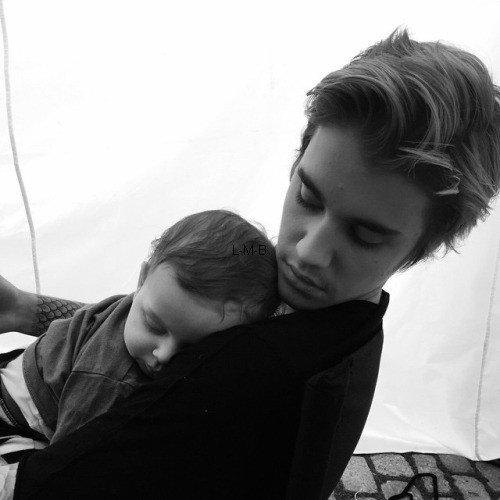 Photos et vidéos de Justin + Vidéo postée sur Vine