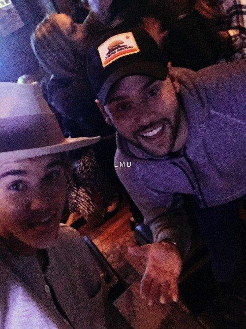 Photos et vidéo de Justin + Photos postées sur Shots of me et Fahlo