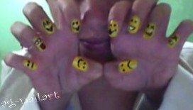Nail art - smiley