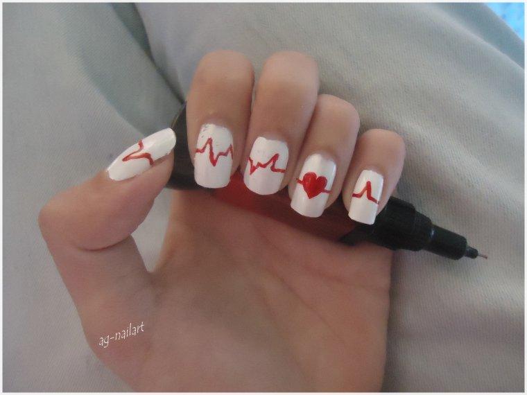 Manucure ...Rythme cardiaque  /\__/\__ (l)