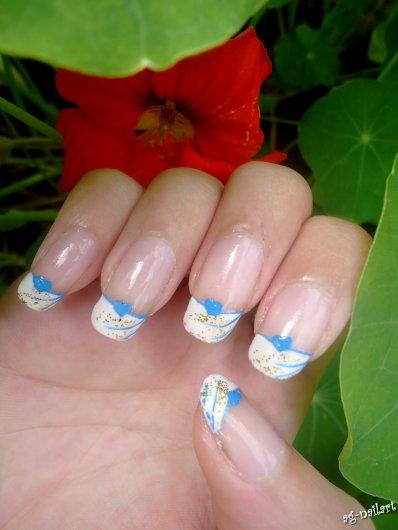 Nail art - French bleu/dorée