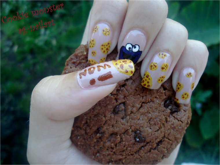 Nail art - Cookie monster