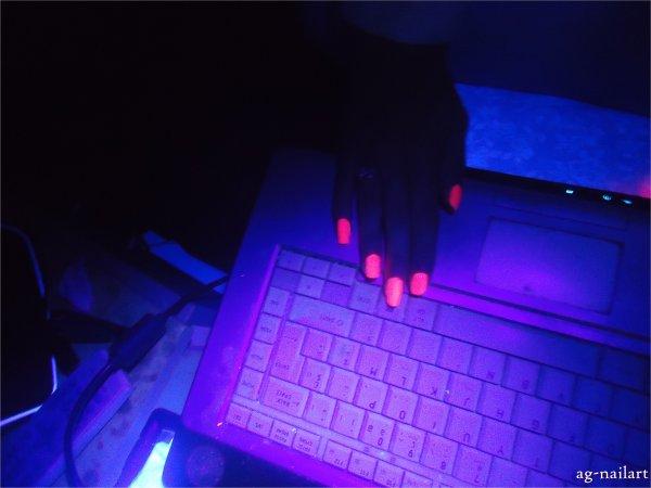 Vernis Fluorescent / Neon