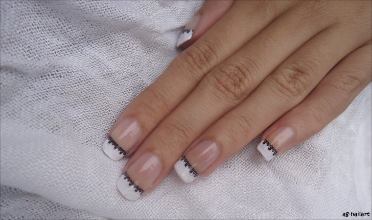 Nail art au stamping n°5 : Dentelle sur French manucure