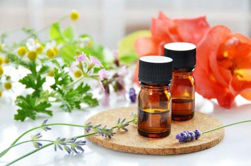 Prendre soin de ses ongles grâce à l' Aromathérapie