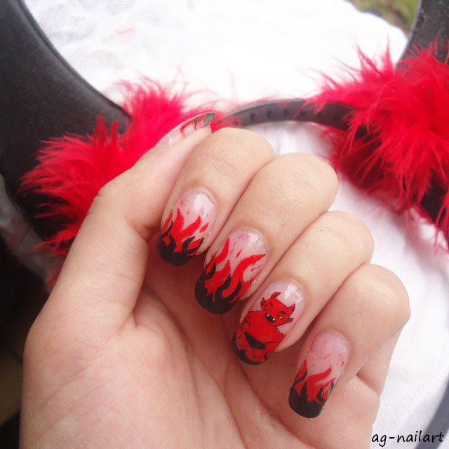 Nail art Halloween 2015 - Diable