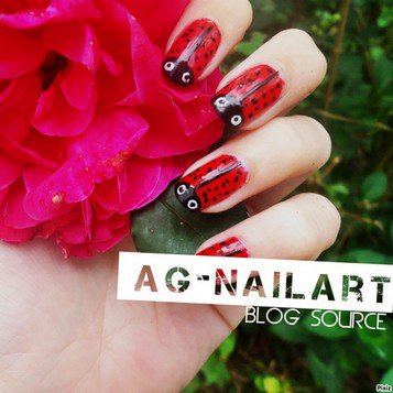 Mon univers nail art sur ongles naturels