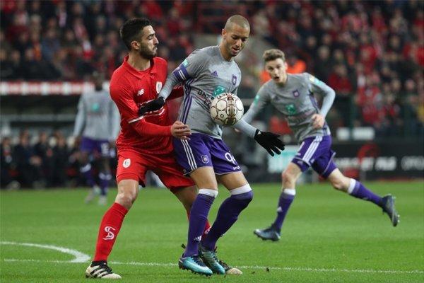 Le Standard et Anderlecht partagent au terme d'un Clasico spectaculaire (3-3)