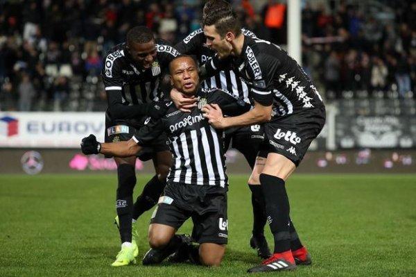 Le duel des Sporting entre Anderlecht et Charleroi (dimanche 18h00) constituera l'affiche de la 18e journée de la Jupiler Pro League.