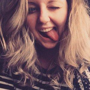 Camille 19 ans de face de bouette