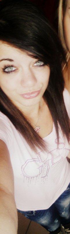 CASSANDRA MALFROID, AMOUREUSE , 17 ANS