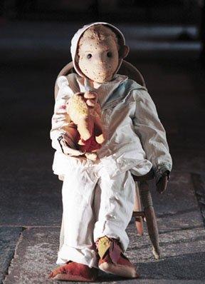 ~ Robert, la poupée maudite...