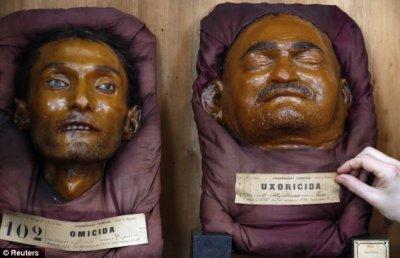 ~ Creepy ! Des têtes de criminels conservées dans de la cire...