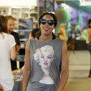 Kelly Rowland : large sourire aux lèvres et petit ventre en vue, elle resplendit !