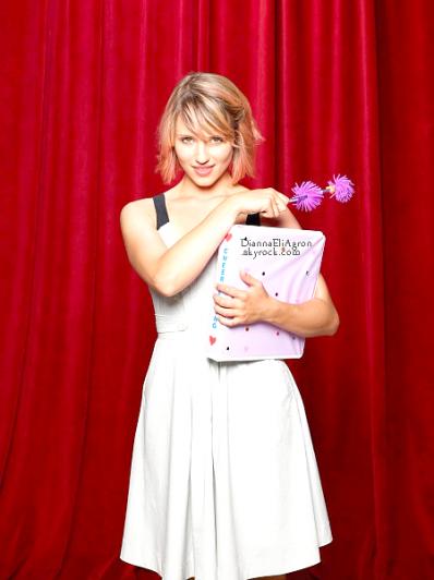 Une photo promotionnelle de Dianna pour la saison 3 de Glee est sortie. Pour ma part, je n'aime pas trop ce photoshoot... Ton avis ? Préférais-tu les photoshoots des années précédentes ?
