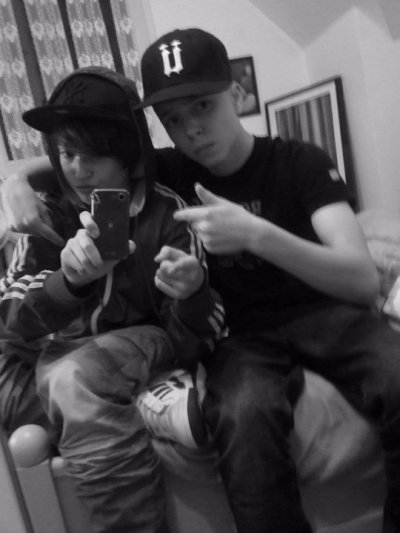 swag (a gauche) swat ( a droite ) le duo mdr (movez'ambiance!!!!!!!!!!!!!!!!!!!!!)