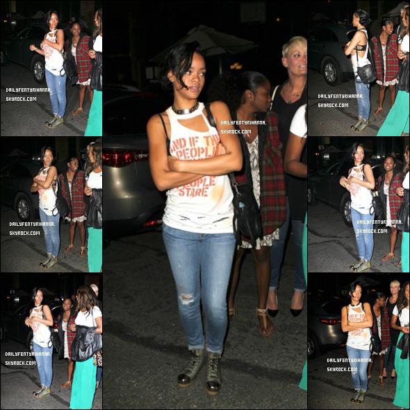 14.06: Rihanna a été aperçue sortant de son hôtel pour se rendre au club 40/40 à New York. TOP ou FLOP ?