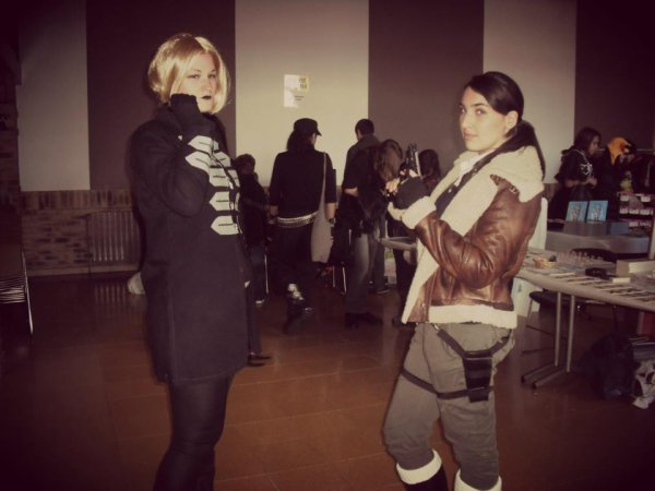 Le duo Amanda Evert et Lara Croft ;).