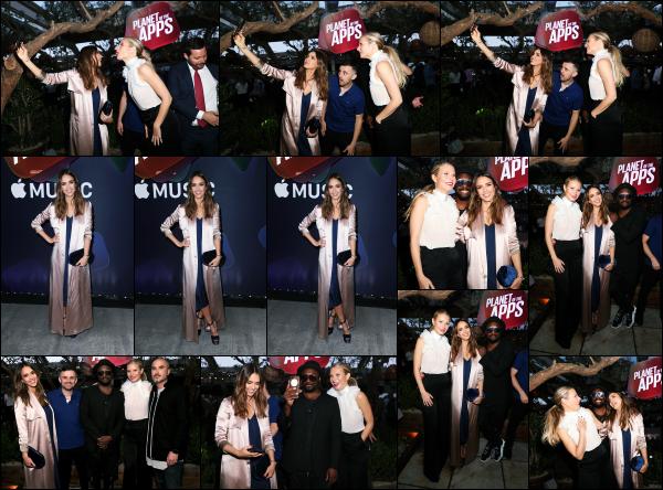 - 12.06.17 ─ Jess A était présente à la soirée de lancement de l'émission « Planet Of The Apps » produite par Apple.[/s#00000ize]De nombreuses personnalités étaient présente lors de cette soirée de lancement, notement Will.i.am avec qui elle a pris plusieurs selfies. Très beau top ! -