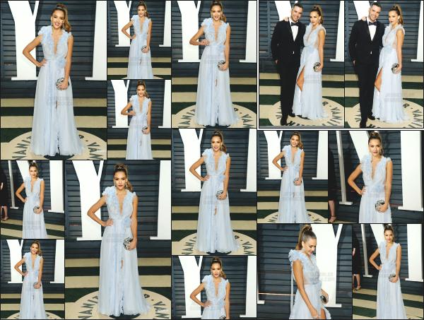 - 26.02.17 ─ Notre Jessica Alba était présente à l'after party des Oscars organisé par « Vanity Fair » à Los Angeles ![/s#00000ize]Jessica  était vraiment ravissante lors de cette soirée, en compagnie de son mari.  Le make up est réussi et la tenue qu'elle porte lui va parfaitement bien. -