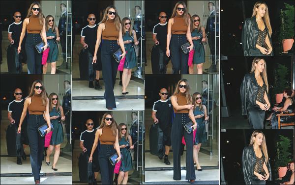 - 14.09.16 ─ La ravissante Jess' est photographiée, quittant l'hôtel « Edition » dans le quartier de Soho à New York ![/s#00000ize]Le soir même, Jessica est allée dîner dans un restaurant au pleins coeur de la ville de New York... Je lui accorde un très beau top pour ses deux tenues !  -