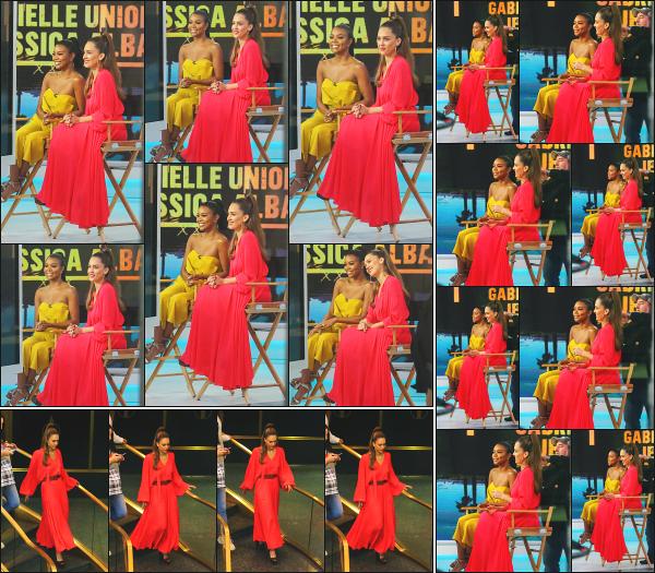 - 17.05.19 ─ Notre Jessica Alba est photographiée  sur le tournage du « Today Show » sur la chaîne NBC à New York[/s#00000ize]Jessica est en pleine promo pour la sortie de sa nouvelle série L'A's Finest, au côté de Gabrielle Union qui joue un rôle à ses côtés. Pas fan du look ! Flop. -