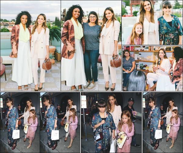 - 20.05.19 ─ La très belle Jessica Alba était présente à l'espace « The Wing » avec Gabrielle Union à - Los Angeles ![/s#00000ize]Jessica A. était présente sur les lieux pour une q&a session ! Le soir même, elle s'est rendue au restaurant Craig's avec ses deux filles à West Hollywood !  -