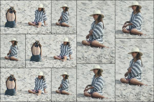 - 30.12.18 ─  Jessica Alba W. est photographiée sur une plage avec toute sa famille, à Puerto Vallarta, au Mexique ! [/s#00000ize]Toute la petite famille s'est rendue au Mexique afin de fêter la nouvelle année comme il se doit, c'est d'ailleurs une habitude pour eux de le fêter là bas !  -