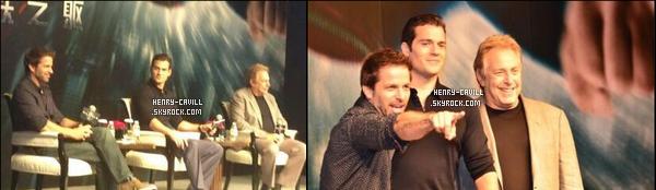 19/06/2013 : le beau  Henry Cavill est a Shangaï en Chine pour la promotion du film Man of Steel    Il est arrivé hier , 18/06, Henry est toujours souriant et très élégant ! c'est les chinois qui doivent être content de voir Henry !