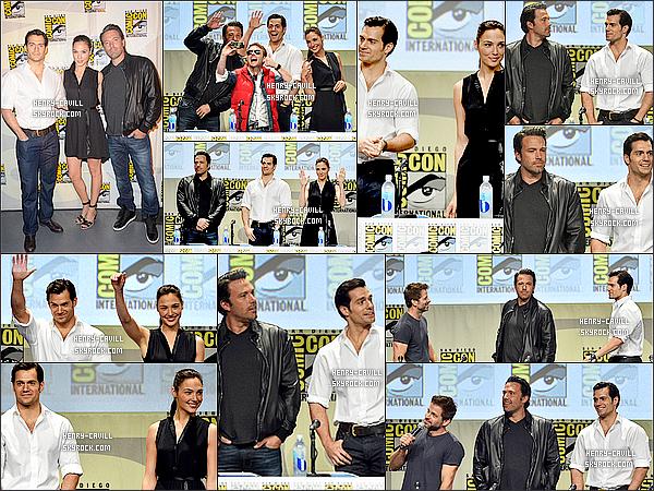 . 26/07/2014 : Henry très souriant a fait une apparition surprise  au  « Comic Con »  de San Diego (Californie). Il était accompagné de ses co-stars : Gal Gadot (Wonder Woman) , Ben Affleck (Batman) et Zack Snyder le réalisateur était présent  .