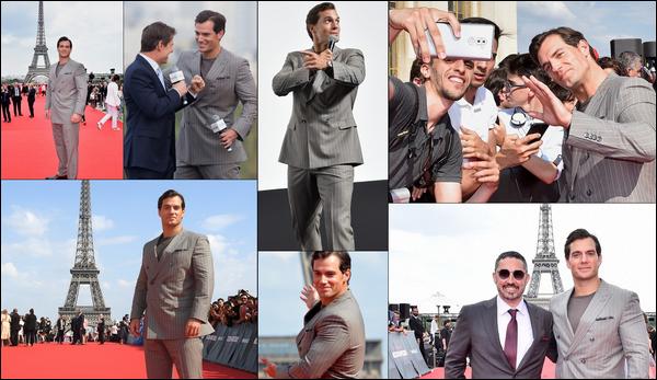 """. 12.07.2018 : Henry Cavill ainsi que Tom Cruise ont débutés la promo de """"Mission Impossible Fallout"""" à Paris  ."""