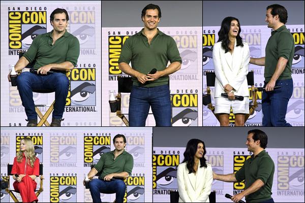 19.07.2019   ▬  Henry Cavill, très souriant était au  « Comic Con » qui s'est déroulé à San Diego en Californie   Enfin une apparition de Henry , cela faisait plusieurs mois qu'on avait aucune news , il est magnifique, c'est un beau top