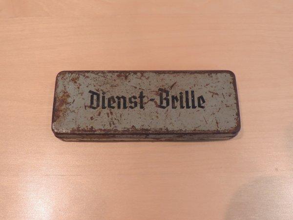 ETUI DIENST-BRILL + LAMES DE RASOIR WW2