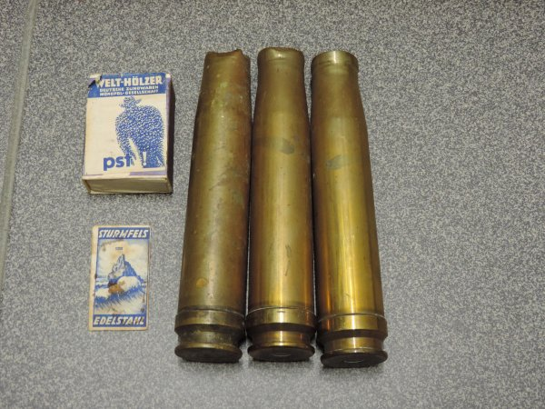VERBANDKASTEN + PETIT LOT ALLEMAND WW2