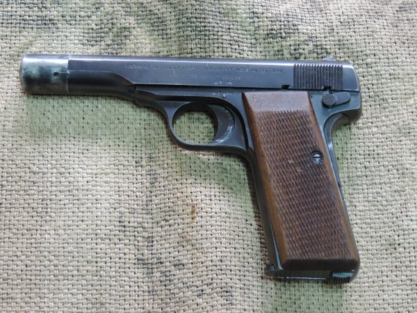 BROWNING FN1922 WW2