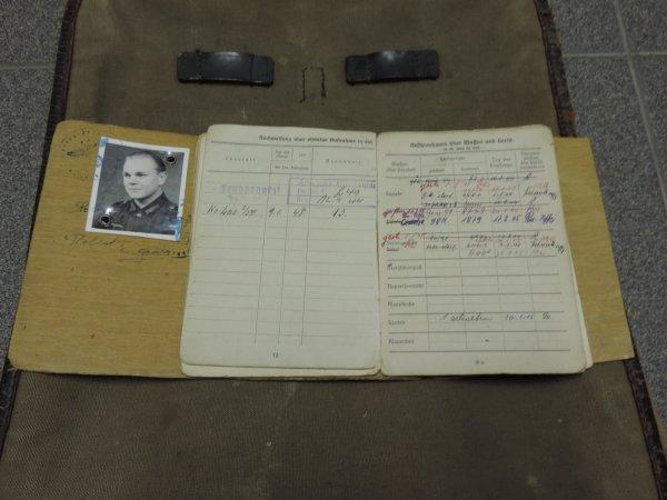 SOLDBUCH-WEHRPASS ALLEMAND WW2