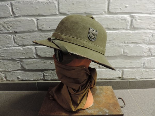"CASQUE ""TROPICAL"" AFRIKAKORPS ALLEMAND WW2"