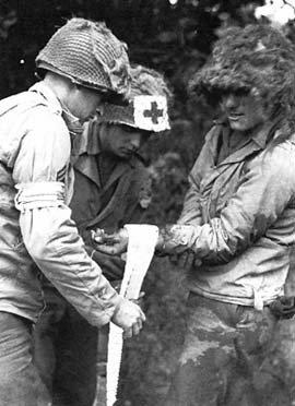 US WW2 POUCH FIRST AID