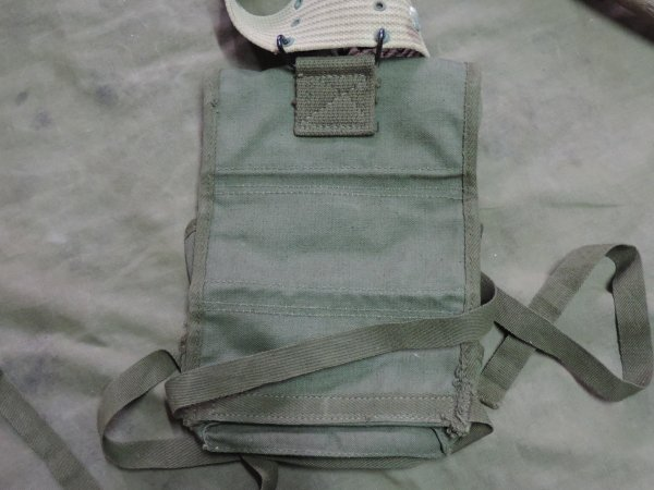 US WW2 GRENADE CARRIER 3 POCKETS