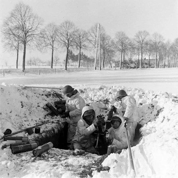 US WW2 SNOW SMOKE CAMOUFLAGE