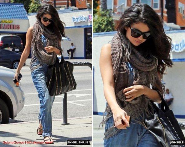 25/04 : Selena arrive au studio Good Morning America à New York