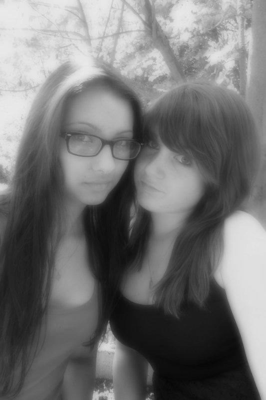 ● Alexandra & Nicoleta