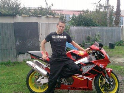 juste moi avk la moto a mn papa