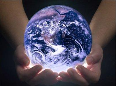 Nous tenons le Monde dans nos mains...